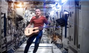 CHRIS HADFIELD_SPACE ODDITY