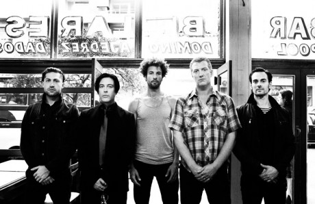QOTSA-2013-PRESS-SHOT