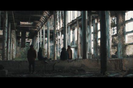 Elefanti è il primo singolo estratto da Toska, album d'esordio dei GOMMA